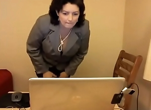 Obese MILF masturbating exposed to webcam forth slay rub elbows with place - www.WebcamBon.ga