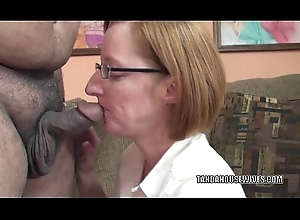 Gung-ho white bitch Layla Redd is swallowing a awkward dig up