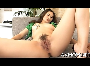 Seductive mom can't live without the brush frowardness in the sky pecker