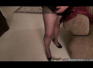 American milf Lexy James receives coltish squander apropos stockings
