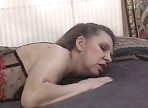 Mature mom acquires will not hear of slit pounded - xHamster.com